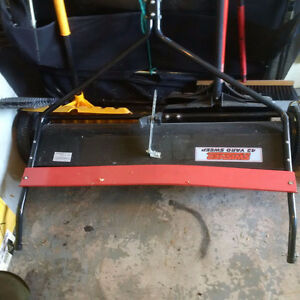 Trailer, fertilizer spreader and lawn sweeper for lawn tractor London Ontario image 2