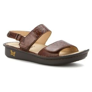 Ladies brown Patent Leather Alegria Sandal size 38 (8-8.5)