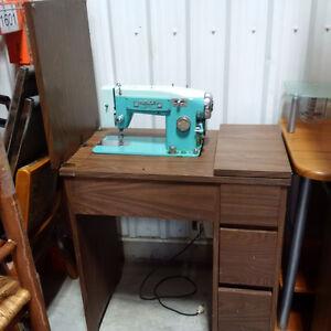 Sewing Machine and desk Kitchener / Waterloo Kitchener Area image 1