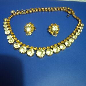 vintage 1950's necklace and earring set.
