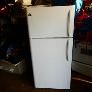 18 cubic foot fridge $145,Free Delivery to door780 999 0906