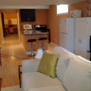 Exec 1 Bedroom avail March 1st.  5 mins to CFB, 10 to Queens.