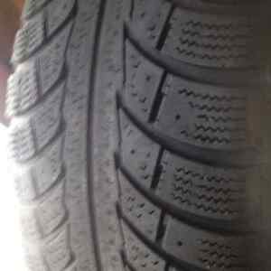 Set of 4 Nord Frost 5 winter tires 205//55/16 West Island Greater Montréal image 1