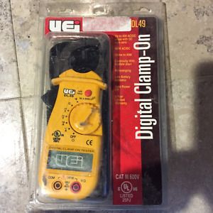 Clamp on Voltage Meter with case