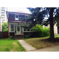 $580/ month+utili. Room in 3 bedroom house. Steps from U of A!