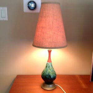 MID CENTURY TABLE LAMP BURLAP SHADE