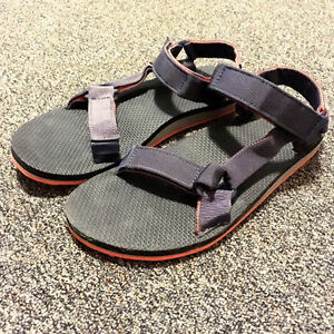 BRAND NEW Teva Original Universal Sandals Mens US 9