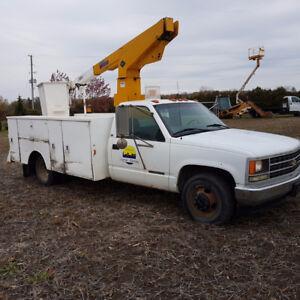 1999 bucket service truck gmc 3500 vortec gas 29ft reach