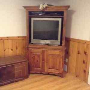 Meuble de télé en pin avec télé 32 pouces
