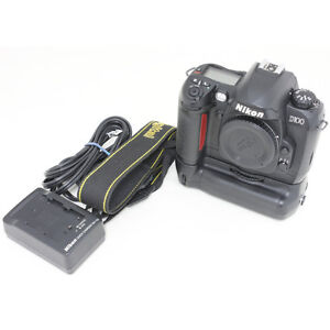 Nikon D100 body with Battery grip
