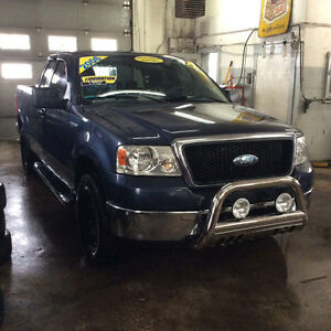 2006 Ford F-150 4x4 129000 km 2006 carproof disponible