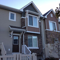 Townhouse For Rent in Charlesworth, Edmonton