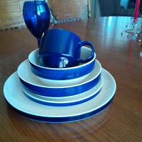 Stackable dishes-5 PCs place setting for 12