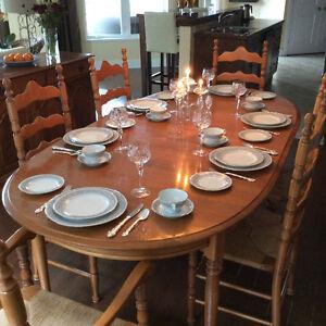 Roxton Maple Dining Set