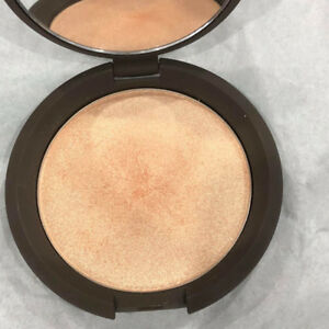 Becca Powder Highlighter Champagne Pop