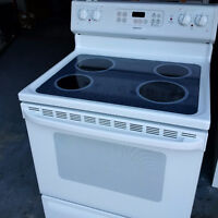 White Flat Top HOTPOINT Stove - Brand New! $300 obo