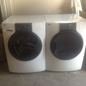 Kenmore HE3 Series Electric Washer & Dryer (White) $500
