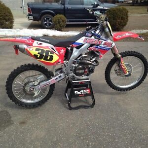Immaculate 2008 CRF450R 29 hours total on bike!
