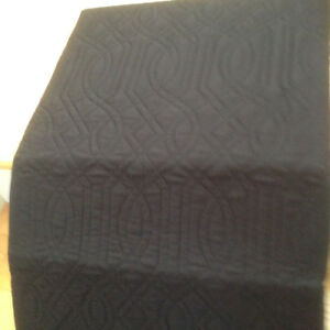 Quilt, King size black - new