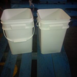 16ltr food grade pails with handles Peterborough Peterborough Area image 1