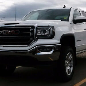 2016 GMC Sierra , ONLY 10,200 kms
