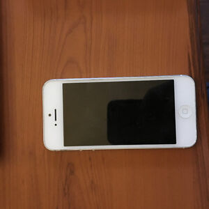 iPhone 5 - 16GB Bell