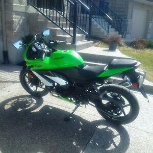 FOR SALE: 2009 Kawasaki Ninja special edition, low km