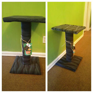 Kitty Scratching Post w Top Perch/Bed