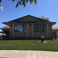 Excellent Home in the Maples Area for RENT NOW!