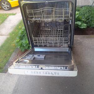 Dishwasher - Kenmore Elite - White Kitchener / Waterloo Kitchener Area image 2