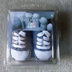 BRAND NEW BABY'S FIRST SHOES