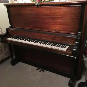 1905 Shaw Upright Piano