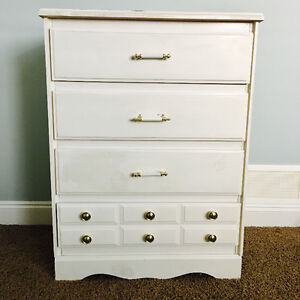 Shabby chic style chest of drawers at a good price
