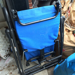 Selling ab lounge Fitness chair- great condition $50obo Windsor Region Ontario image 2