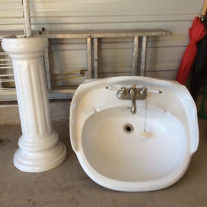 Pedestal sink (white) with taps