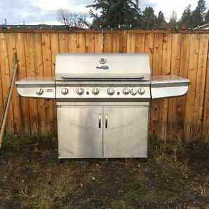 Huge 6 + 1 burner BBQ with infrared element