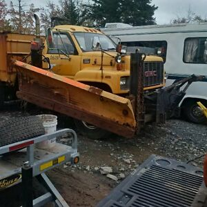 Parting out 1999 topkick 5 ton plow truck