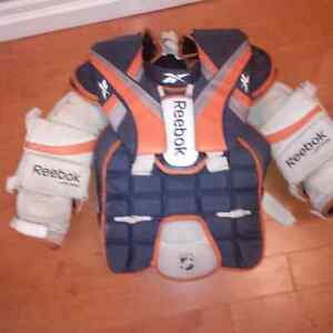 Reebok Jr Pro XL Chest Protector Cambridge Kitchener Area image 1