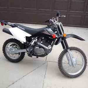 Dirt Bike-    suzuki  DR-Z  125 CC     For Sale - Like New!