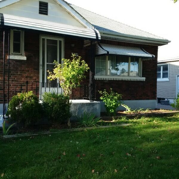 1 BEDROOM BASEMENT APARTMENT MODERN & FULLY UPDATED