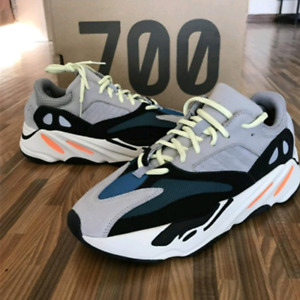 Yeezy 700 Wave runner ds size 10/10.5