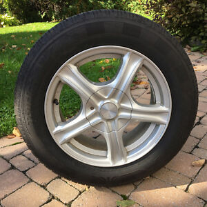 Pneus 4 saisons sur jantes / All Season Tires on Rims 195 65R15 Gatineau Ottawa / Gatineau Area image 1