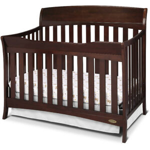 Barely used baby crib with mattress