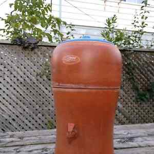 Stefani Water Purification Terracotta Crock from Brazil Kitchener / Waterloo Kitchener Area image 4