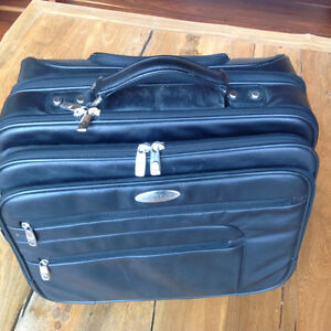 Samsonite Classic Leather Wheeled Business Case almost like new