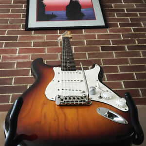 G&L S-500 electric guitar with strap and hard case $595