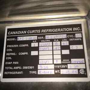 Curtis 3 door display cooler and stainless freezer Kingston Kingston Area image 4