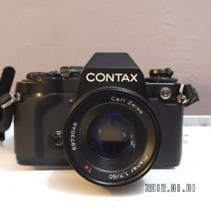 Contax camera(159MM)) with carl zeiss 50mm f1.7 T* planar lens