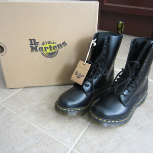 Brand new Dr.martens and Rockport. Peterborough Peterborough Area image 1