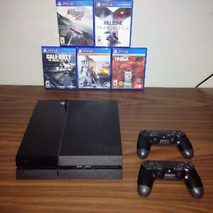 PS4 500GB / Two Controllers & 5 Games